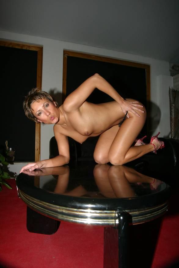 Pornostar Jana Bach in Aktion. Dein Erotik Star zum Anfassen. Hier die besten Pornos von Jana Bach.