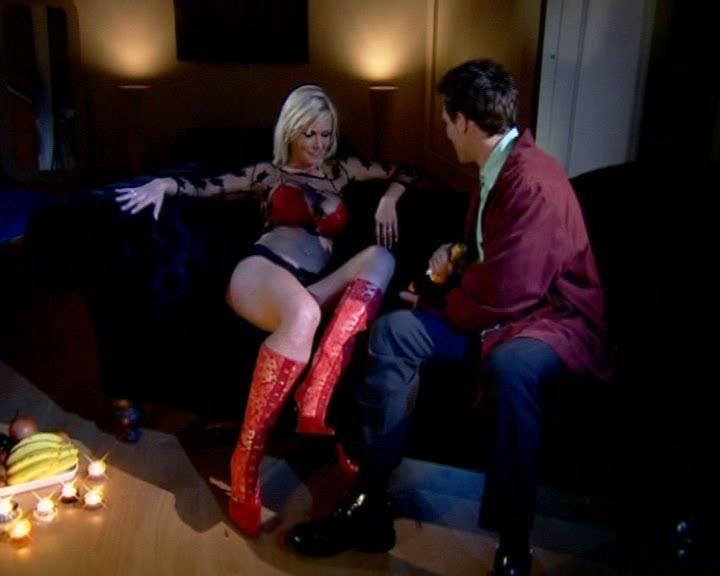 Dein Erotik Star Vivian Schmitt zum Anfassen. Pornofilme von ihr jetzt runterladen.