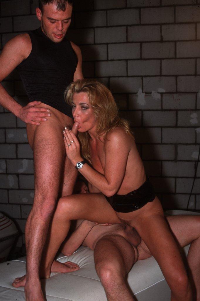 deutsche hausfrauen sex richtige rückenmassage