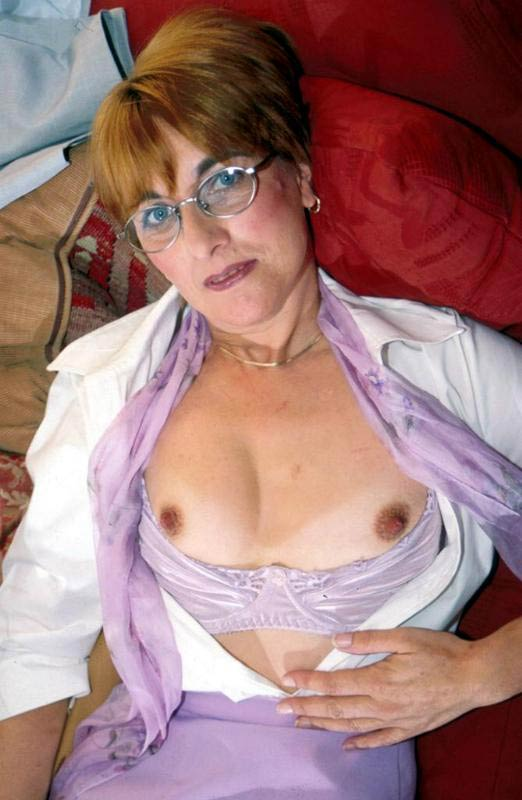 Nude miley cyrus sucking dick